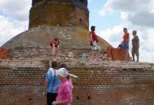 Так начиналось восстановление храма Святителя Николая в селе Никольское-на-Еманче в 2008 году.
